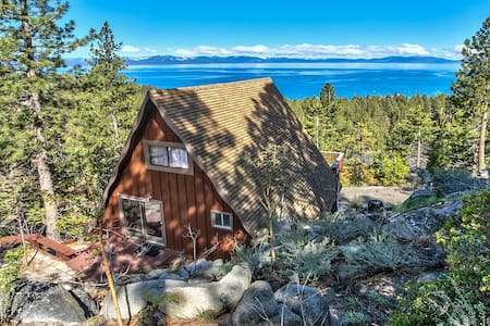 Spectacular Lake & Mountain View Zephyr Cove Cabin - Zephyr Cove-Round Hill Village - Hus