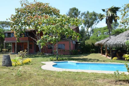 Private Double BR beachfront House - Montanita - Casa