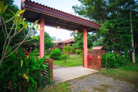 สวนรวงทอง Roungthong Orchards บ้านกลางสวน