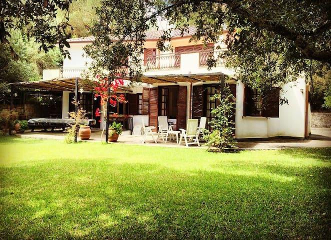 Elegante villa sul lungomare di Sabaudia - Lungomare di Sabaudia - Villa