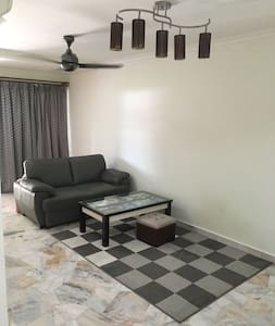 Cozy home kepong desa park city - Kuala Lumpur - Casa