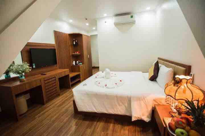 Halong Bay / Sea Hotel 3*/ BB/ near Sunworld Park