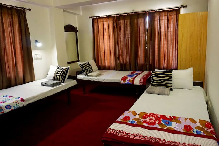 Shared Room in Central Shimla