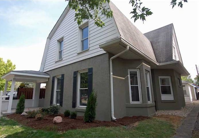 Beautiful Downtown Indy home - Walk everywhere - Indianapolis - Haus