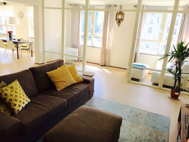 Spacious apartment next to Hotel NY - Rotterdam - Wohnung