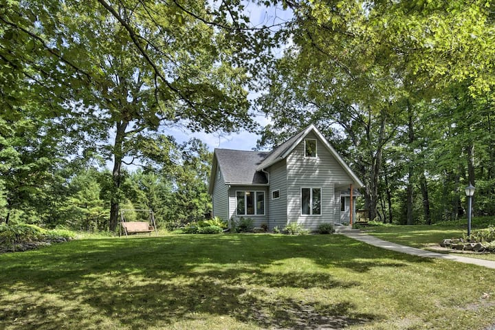 Updated Home w/Deck, 2 Mi to Sister Bay Beach