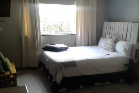 2 Sleeper - King Room