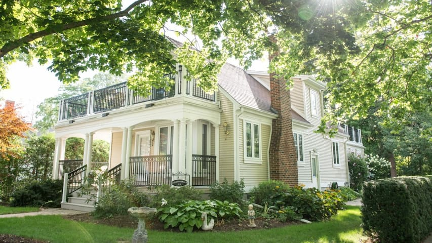 Governor's Walk Historic Home in Old Town