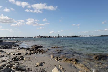 T1 centre Loctudy proche mer