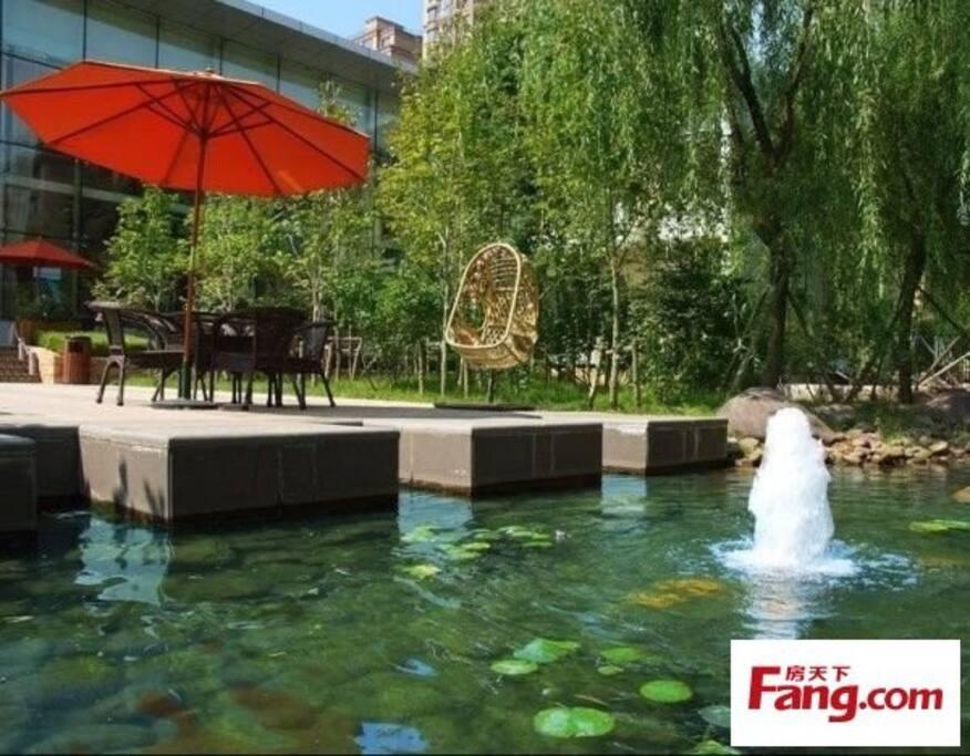 Garden 小区的喷泉水池