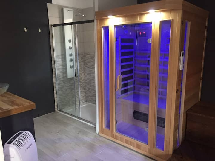 Suit'Dream (Suite bleu) avec Spa / Sauna privatifs