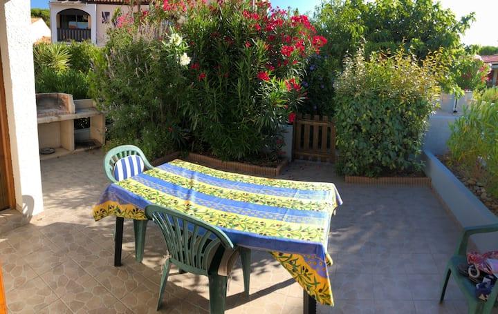 Villa résidence calme. Rés. les jardins du rivage.