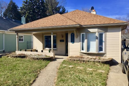 Charming 3 bedroom ranch - Dearborn Heights - Haus