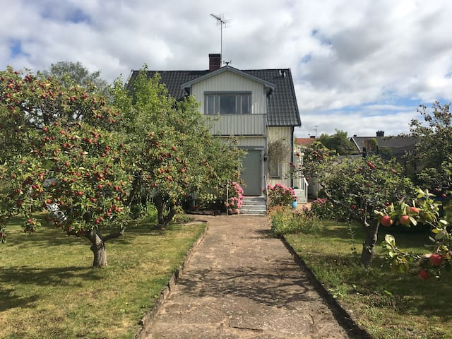 Charming townhouse 5min from beach - Borgholm