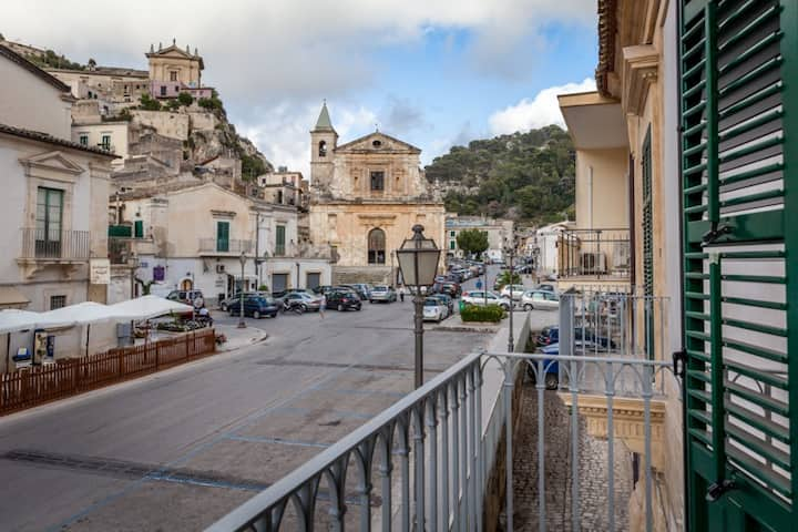 Un'esperienza nel Palazzo Montalbano a Scicli