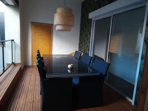 Appartement avec loggia privée coeur de ville.