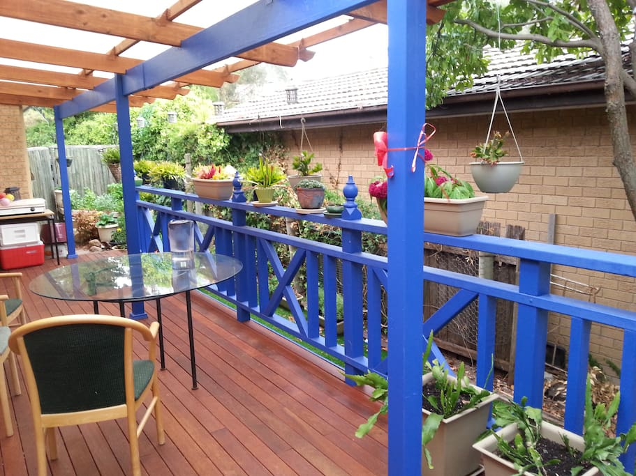 Side deck for reading, having breakfast or taking a nap.