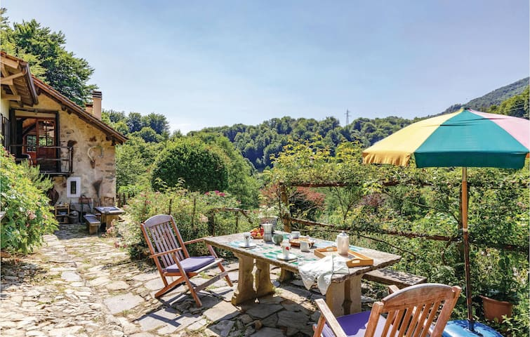 Holiday cottage with 2 bedrooms on 140m² in Artò VB