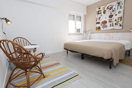 Double Room 200m from the Surf, breakfast included - Costa da Caparica - Bed & Breakfast