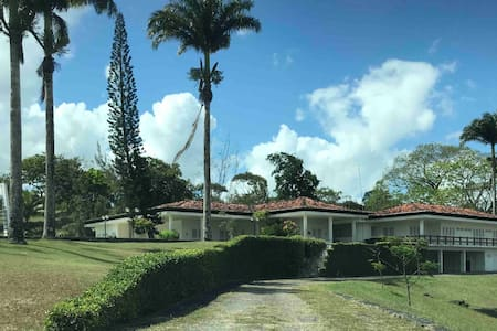 Casa de Campo Aluguel, Confraternizações,Eventos
