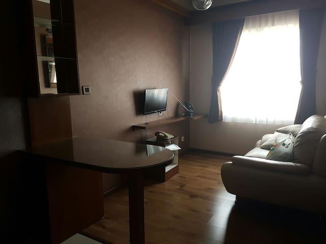 Cozy 2BD Apartment with Great View - Jatinangor - Huoneisto