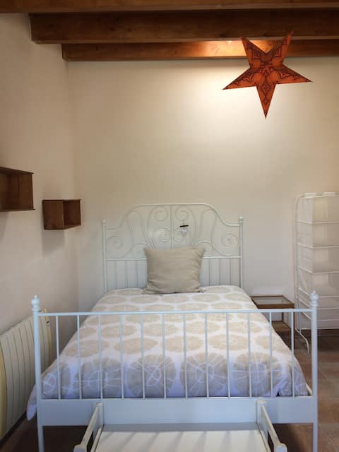 DOUBLE ROOM WITH PRIVATE PATIO & ENTRANCE