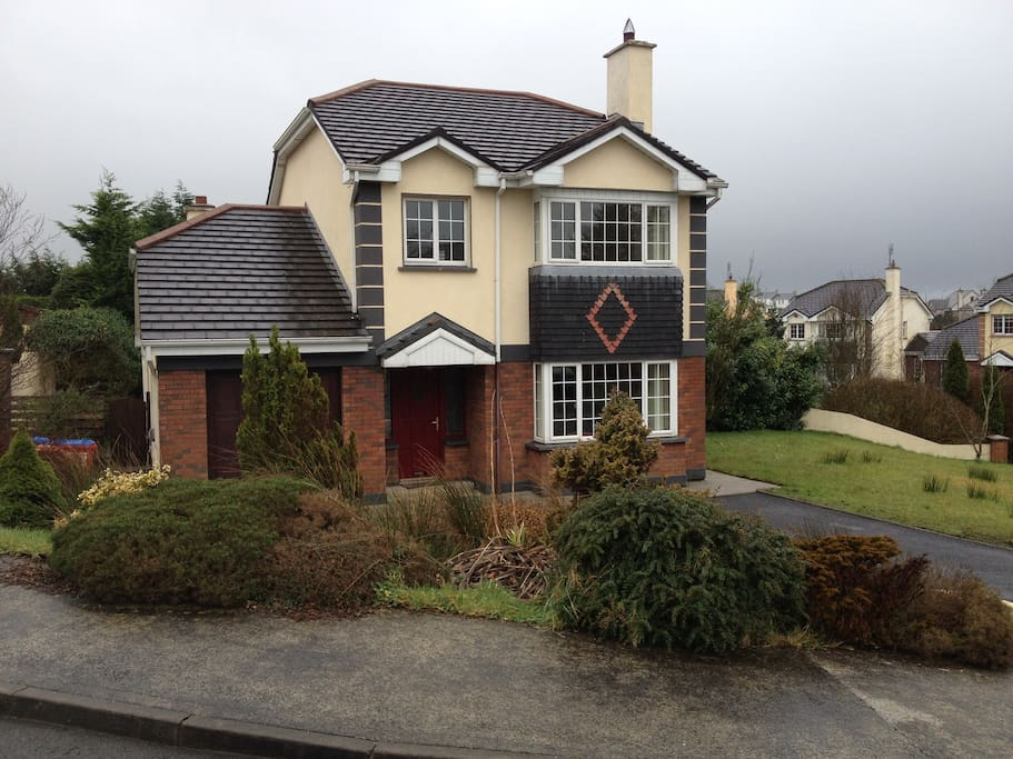 family home in central mayo houses for rent in castlebar. Black Bedroom Furniture Sets. Home Design Ideas