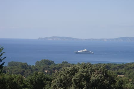 Charming duplex near Saint Tropez, superb sea view