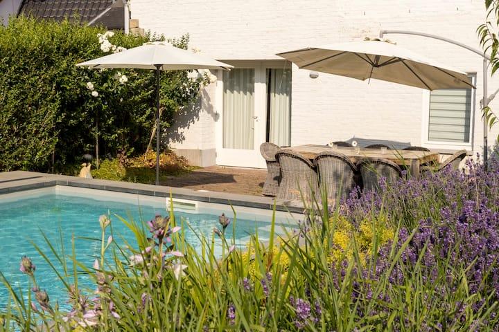 appartement met zwembad vlakbij Maastricht