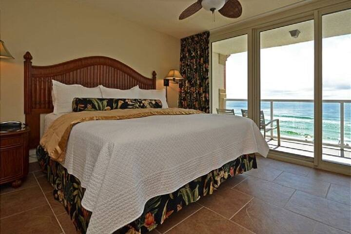 Wake up to Gulf Views from your master bedroom suite with king bed.