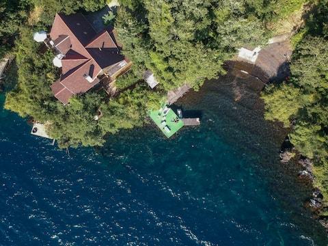 Puerto Pucura, Lago Calafquén, casa en el lago