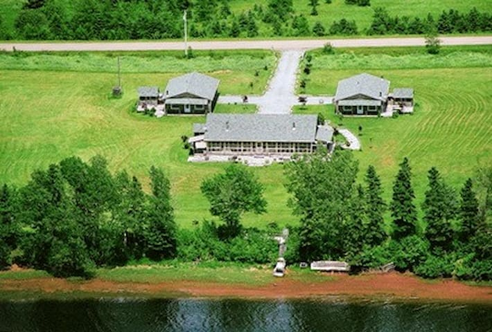 Large Summer Vacation Rental - Great for Families!