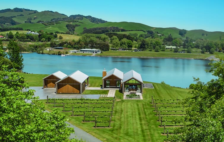 Lake Edge House Karapiro