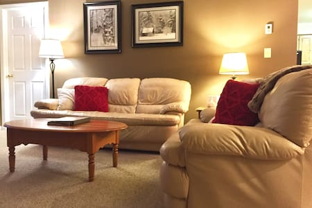 Lincoln, NH 2BR Home with Mountain View