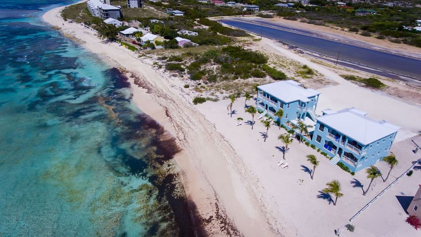 Pillory Club on #1 Beach in Grand Turk - Condo 2