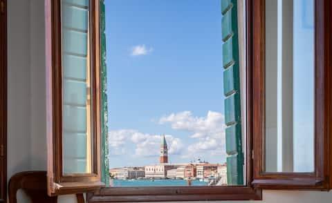 Veneția prin fereastră - Casa Cristinei -
