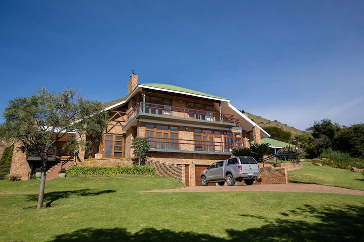 Large farm house close to Boshoek Wedding venue