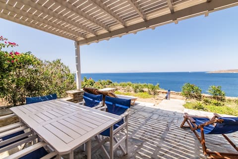 Villa by the sea in Tinos Ꙭ Stavros Bay