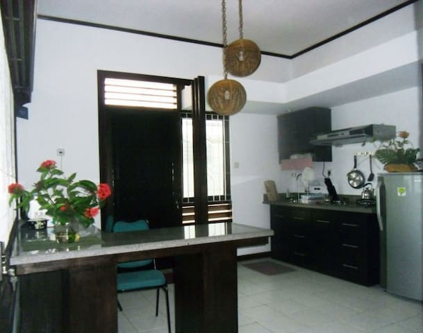 Gladiol Apartment B7A: For Traveling Businessmen - Panakkukang - Byt