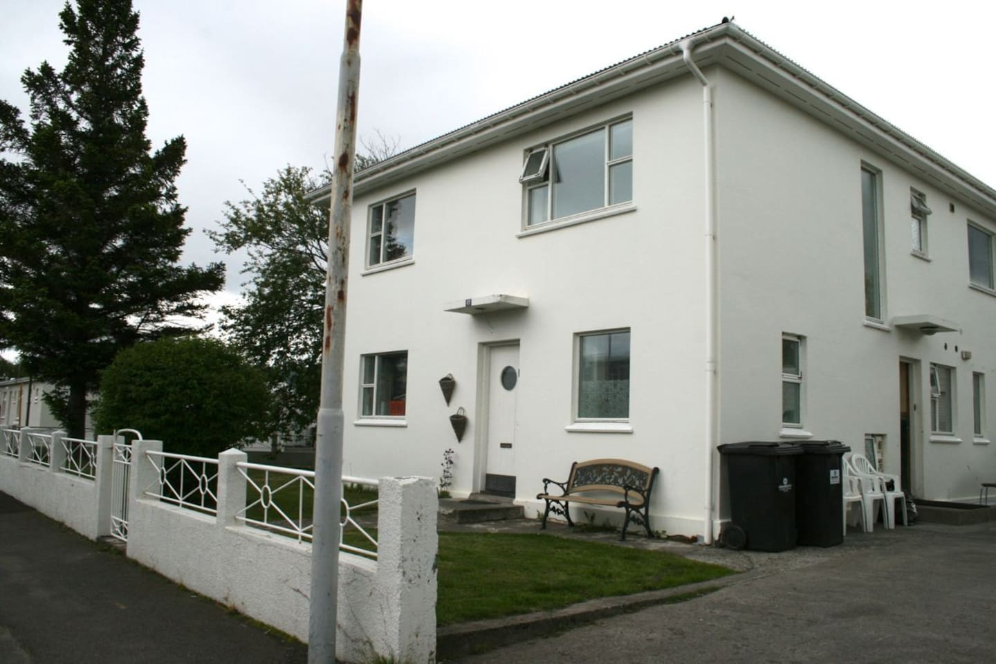 Ground floor in this nice house, 2 entrances in the apartment.  Only 5-7 min walk to downtown Akureyri,  big supermarket only 100 meters away.  Free parking.