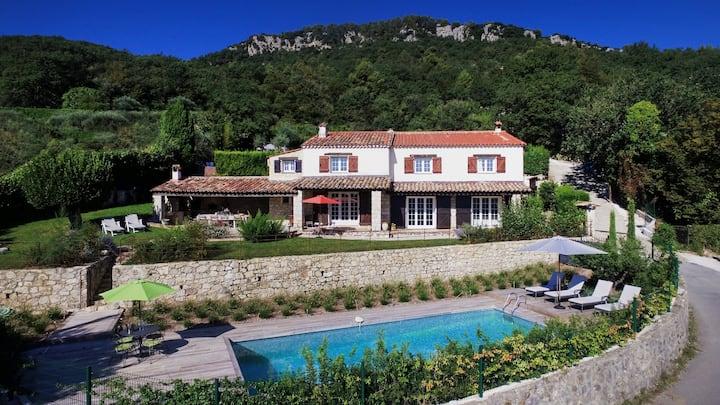 Provencal villa, serene setting, panoramic views