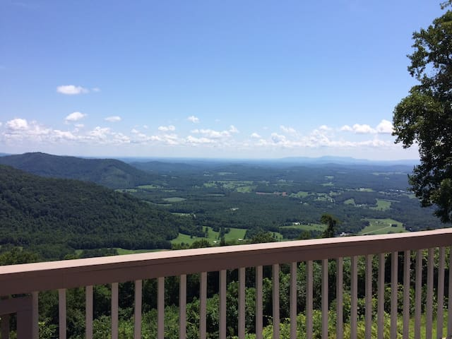 """Cloud Nine"" at Groundhog Mountain - Hillsville - บ้าน"
