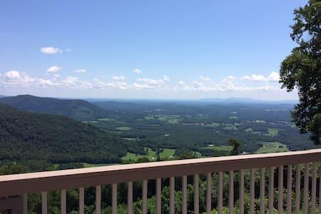 """Cloud Nine"" at Groundhog Mountain - Hillsville - Maison"