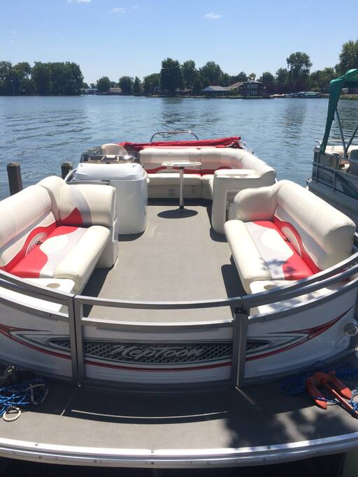 Our new pontoon! 2009 JC Neptoon 23' with a 150hp. Available to borrow for an additional fee.