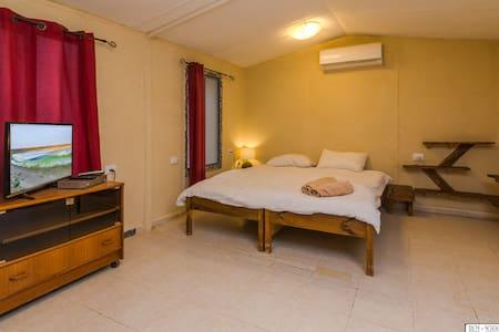 Shamballa Ezuz Desert Hospitality - Unit with view