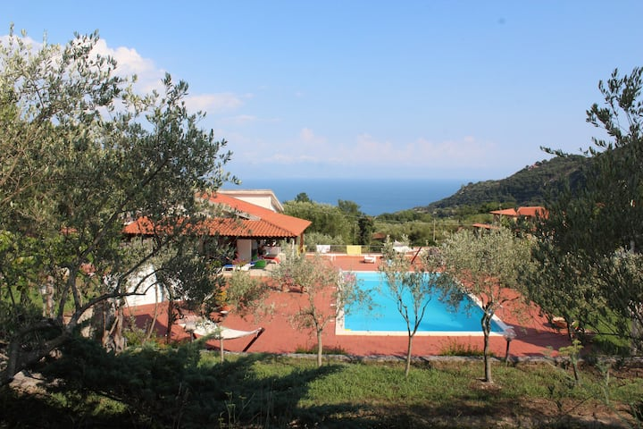 "Villa with swimming-pool ""Le Due Querce"""