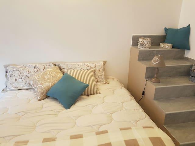 stanza privata con ingresso indipendente centrale - Sanremo - House