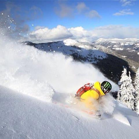 Private Cedar Ski Chalet. - Rossland - Departamento