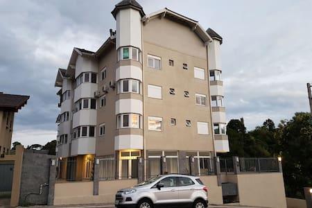 Apartamento novo, ótima localização, ideal casais!