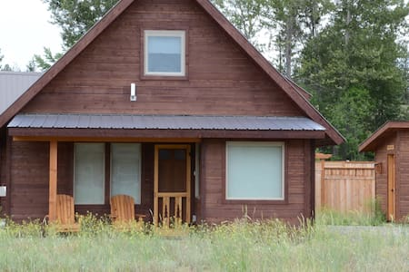 Little Bear- A 3-bedroom cabin - Winthrop - Chalet